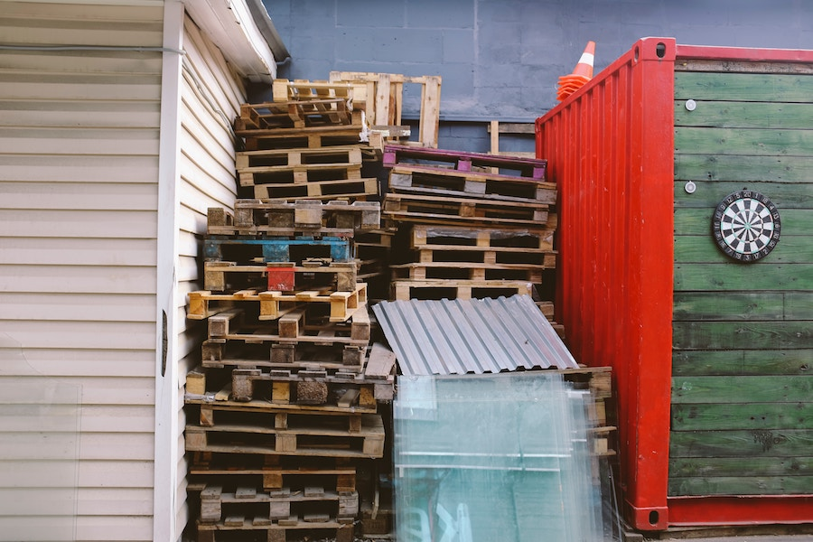 3 Questions to Ask Before You Buy Pallets