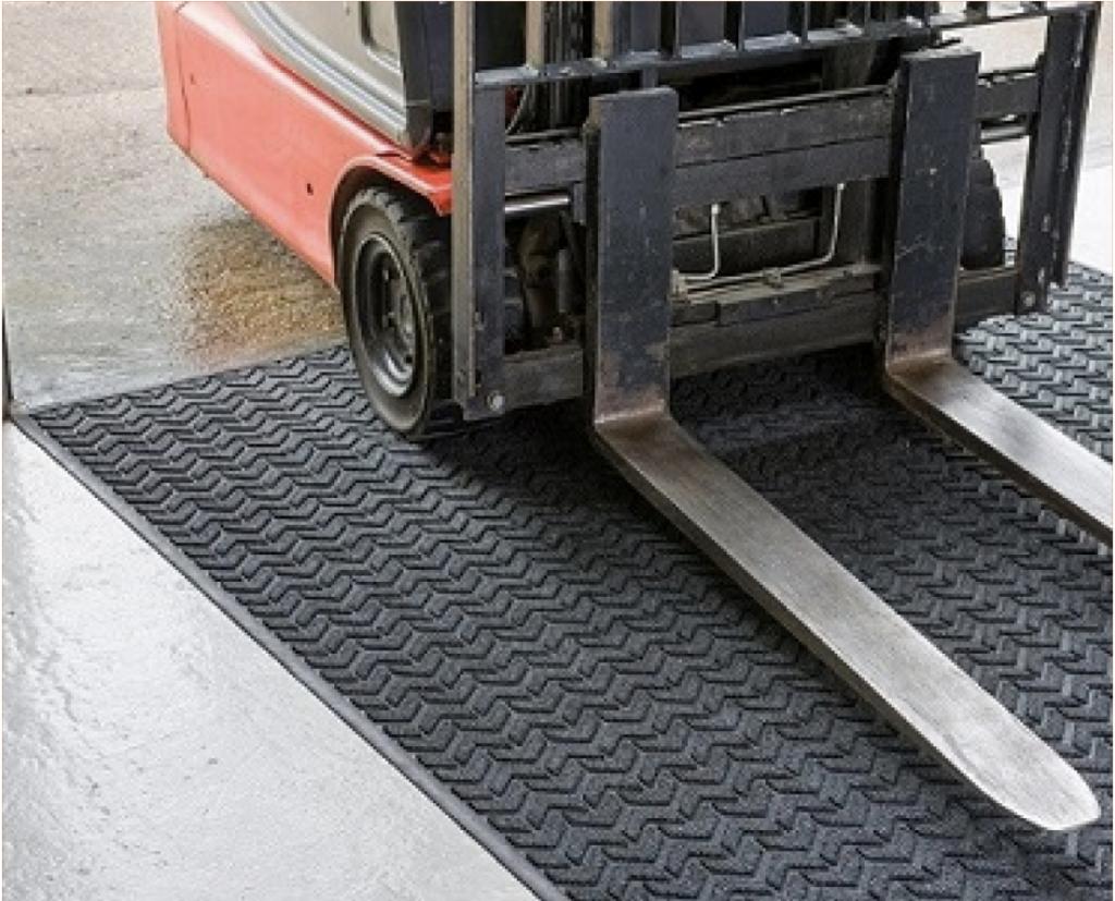 warehouse wheel cleaning mat